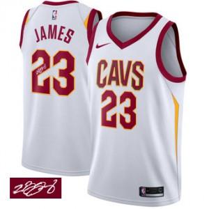 87621c45f8573 NIKE Maillot Blanc marine de NBA LeBron James authentiques hommes - Adidas Cleveland  Cavaliers 23& CavFanatic